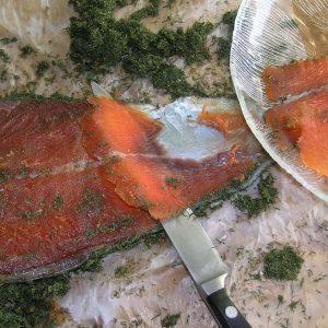 Démonstration avec dégustation culinaire Menu 3 plats : Gravlax de saumon avec toast Cote à l'os sur feu de bois, frites maison avec ses 3 sauces chaudes Dame blanche ou Irish 35€ pp avec Cava offert